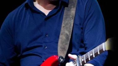 Mark Knopfler visitará España en julio de 2015 y actuará en Huesca, Ávila, Sevilla, Santiago y Barcelona