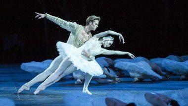 Cinco noches de magia en Barcelona con 'El Llac dels Cignes' de English National Ballet