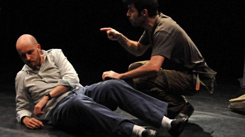 'Masked' en los Teatros Luchana: cuando la guerra desangra la familia