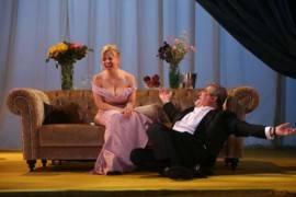 El príncipe y la corista: crónica de una primera cita