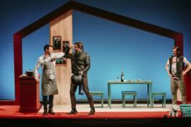 Cádiz: miedos, amigos y crisis de los 40 para volver al teatro