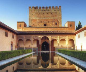 Descubre la Alhambra con esta visita completa