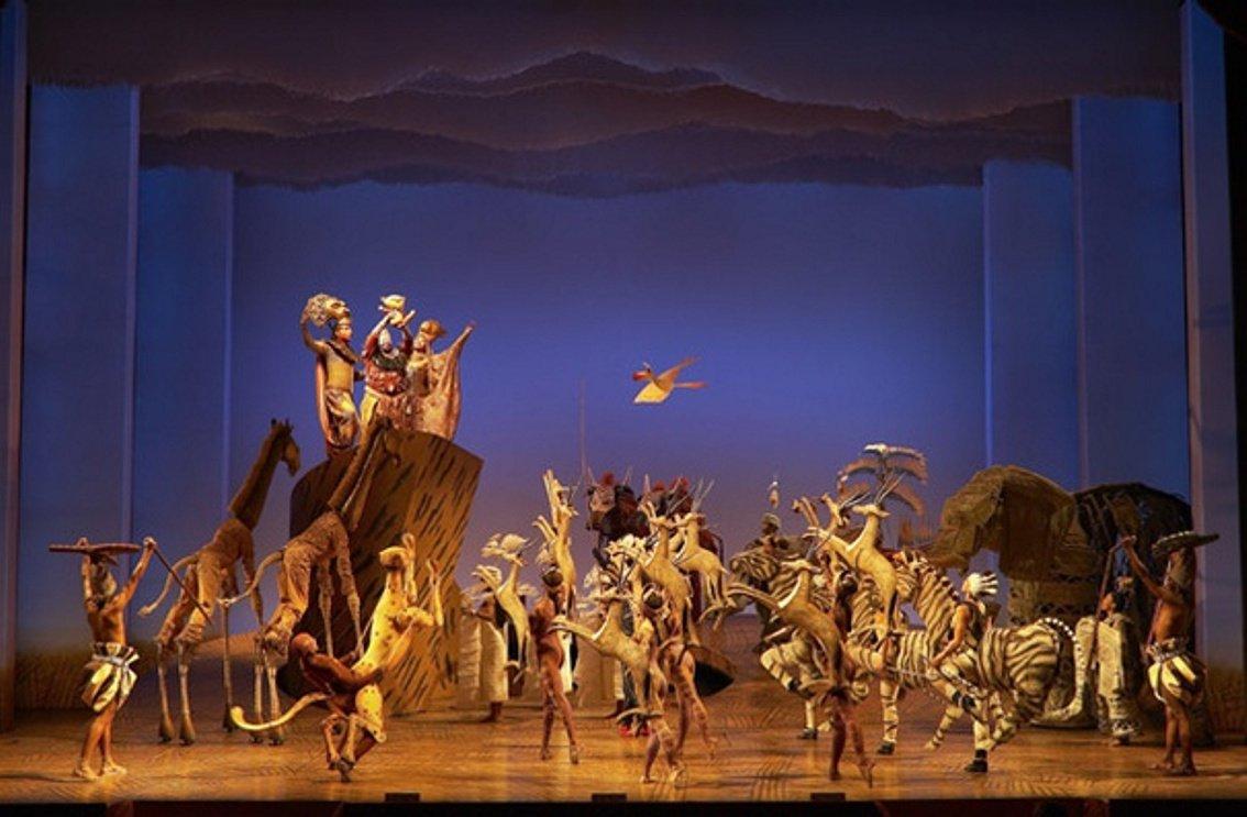 Entradas rey le n el musical teatro lope de vega - El rey del tresillo ...