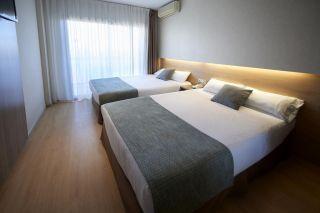 Habitación doble con balcón - Hotel Eurosalou & Spa