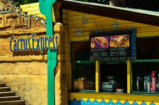 Restaurantes Fast Food on the road - Portaventura